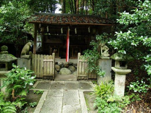Tr s belles portes de jardin en bambou kamakura garden for Bambou dans le jardin